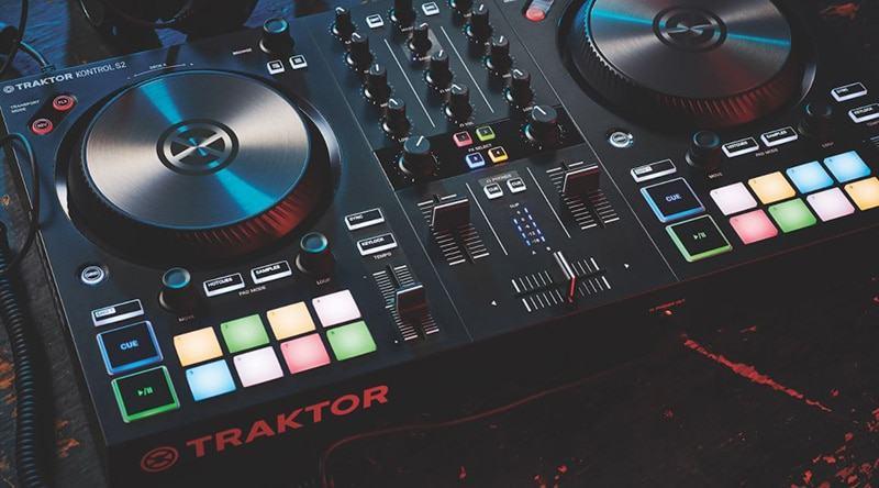 Best DJ Controller For Beginners 2021