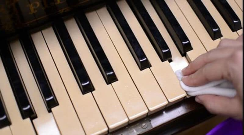 Cleaning Plastic Piano Keys