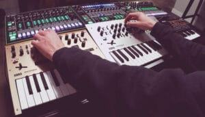 Minilogue Vs Monologue 2021: Top Full Review, Guide