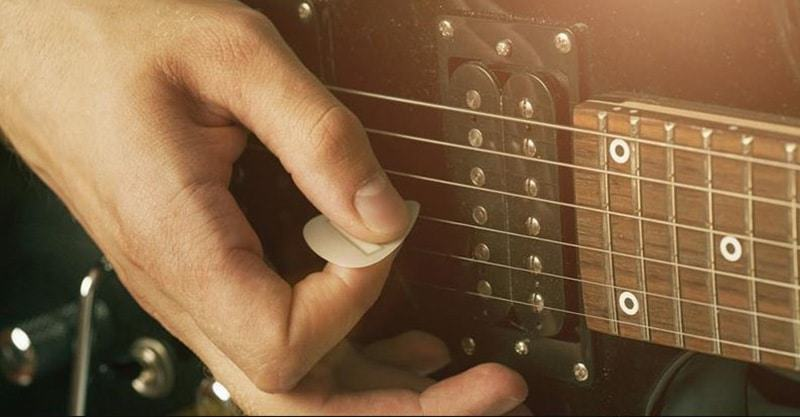 How To Hold A Guitar Pick The Fundamental Procedures