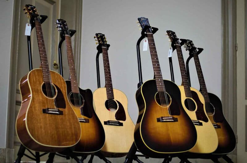 Maple Vs Rosewood Fretboard 2021: Top Full Review, Guide