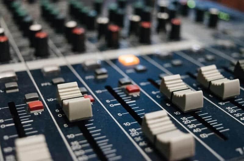 Things Consider Getting The Best Karaoke Mixer