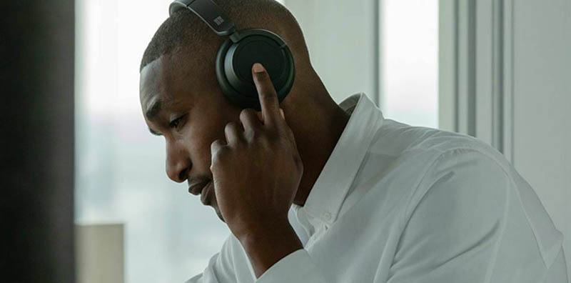 Do noise cancelling headphones work without music