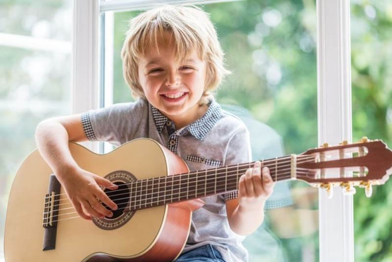 How To Purchase A Guitar For Beginners
