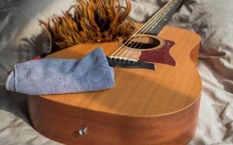 How to Clean Your Strings Without Products
